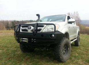 Toyota Hilux priekšējais bampers